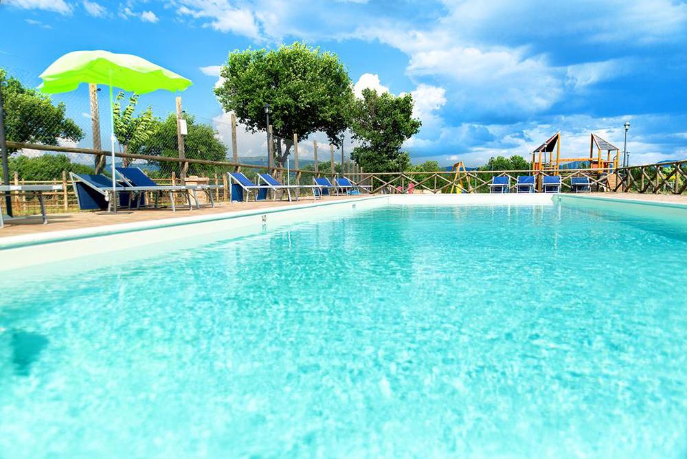 piscina-agriturismo-casale-dei-mattonari-2